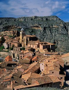 Places to see before you die (II) - Albarracin, Teruel Beautiful Places To Visit, Cool Places To Visit, Wonderful Places, Places To Travel, Spain Travel, France Travel, Places In Spain, Spain Holidays, Spain And Portugal