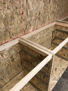 Convert the basement into a hobby workshop - part 2 Garage Workshop Organization, Diy Garage Storage, Workshop Storage, Woodworking Shop Layout, Woodworking Projects Diy, Woodworking Plans, Barn Wood Projects, Reclaimed Wood Projects, Brick Wall Decor