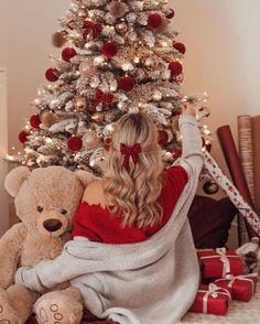 Family Christmas Pictures, Christmas Couple, Merry Little Christmas, Cozy Christmas, Christmas Baby, Xmas, Cute Christmas Wallpaper, Christmas Feeling, Christmas Photography