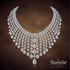 Just another sparkling Monday with #hazoorilalbysandeepnarang #jewelry #necklace #hazoorilal #itcmaurya #dlfemporio #diamonds