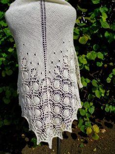 bajkowe koronki: Dew Drops Shawl w bieli