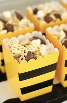 Honeycomb Party Mix Honeycomb Party Mix PS Weddings and Events pswedandevents Bumble Bee Decor Bee Party &; Easy Honeycomb Party Mix for Bee […] bee Baby Shower ideas Bee Gender Reveal, Baby Gender Reveal Party, Gender Reveal Themes, Gender Party, Baby Shower Parties, Baby Shower Themes, Shower Ideas, Bee Baby Showers, Fete Anne