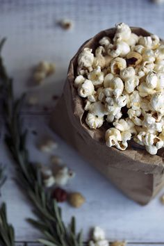 Rosemary Brown Butter Popcorn | lynseylovesfood