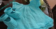 """Os presento un vestido de bebé ,que formará parte de la Canastilla que estoy preparando para mi segunda nieta """"Sara"""" El patrón origina... Bebe Baby, Baby Boy, Little Girl Dresses, Girls Dresses, Knitting Patterns, Crochet Patterns, Baby Cardigan, Baby Crafts, Baby Knitting"""