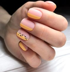 The advantage of the gel is that it allows you to enjoy your French manicure for a long time. There are four different ways to make a French manicure on gel nails. Ten Nails, Gel Nagel Design, Modern Nails, Minimalist Nails, Dream Nails, Manicure E Pedicure, Chrome Nails, Stylish Nails, Creative Nails