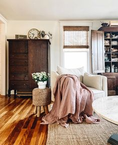 Home Interior Decoration .Home Interior Decoration Cozy Living Rooms, Home Living Room, Apartment Living, Living Room Decor, Living Spaces, Bedroom Decor, Master Bedroom, Bedroom Ideas, Cozy Apartment