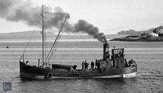 Here seen fully laden with some passengers. Steel screw steamer built 1944 by Richard Dunston, Thorne. Scrapped From the RJ McCormick collection Old Boats, Small Boats, Isle Of Bute, Dutch Barge, Steam Boats, Model Boat Plans, Boat Art, Maritime Museum, Navy Ships