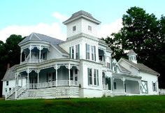 Beautiful old Victorian Mansion... yeah!