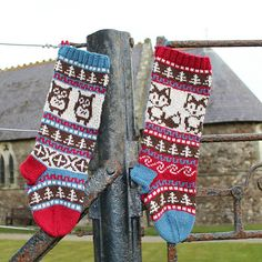 Artículos similares a Pattern Owl and Fox Christmas Stockings and Stranded Knitting Fair Isle Knit Your Own en Etsy Knit Stockings, Knitted Christmas Stockings, Christmas Knitting, Crochet Christmas, Fair Isle Knitting, Knitting Socks, Knit Mittens, Knitting Patterns, Crochet Patterns