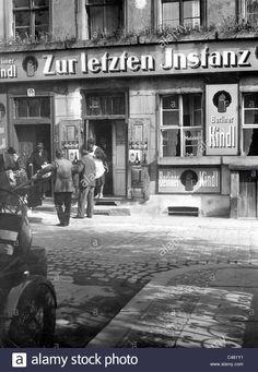 Laden Sie dieses Alamy Stockfoto Restaurant in der Altstadt von Berlin, 1934 - C461Y1 aus Millionen von hochaufgelösten Stockfotos, Illustrationen und Vektorgrafiken herunter.