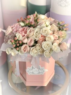 Beautiful Bouquet Of Flowers, Beautiful Flower Arrangements, Amazing Flowers, Love Flowers, Beautiful Roses, Floral Arrangements, Flower Box Gift, Flower Boxes, Flower Boutique