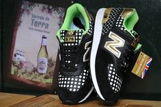 Men And Women New Balance 576 Shoes wave point Black White Green New Balance Sneakers, New Balance Shoes, Bohemian Lifestyle, Men And Women, Waves, Sweets, Black And White, Green, Fashion