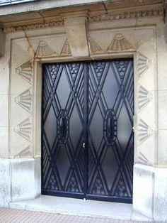 Paris, France: 3 Rue Raffet: door (art deco, 1929, architect Ch. Plumet)
