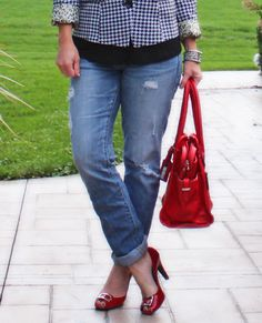 Houndstooth / ripped jeans