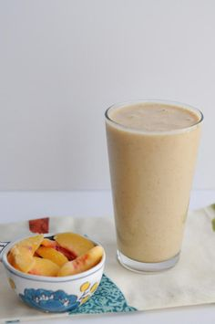 Peach Pie Smoothie || HeathersDish.com #blended