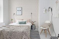 bialo-czarna sypialnia