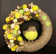 uu Easter Flower Arrangements, Easter Flowers, Diy Flowers, Spring Flowers, Wreaths And Garlands, Door Wreaths, Spring Theme, Easter Wreaths, Handmade Decorations