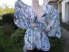 Shirt mit Fledermausärmeln - weites Shirt - Baumwolljersey shirt - Shirt Gr. M - buntes Shirt - weiß blaues Shirt - Frauenshirt von himmeldurchnadeloehr auf Etsy