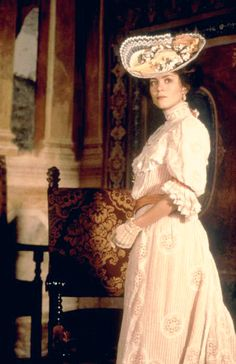 A Mid Summer Night's Dream (1999) Starring: Anna Friel as Hermia.