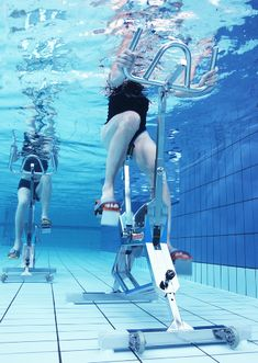 Bike for pool WaterRider 5 Aquafitness - Selection VerySport Peau D'orange, Water Aerobics, Steel Wheels, Sore Muscles, High Level, Glutes, Barefoot, The Selection, Thighs