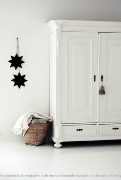 love the simplicity with white armoire, wicker basket and simple wall decoration. Kids Furniture, Painted Furniture, Furniture Outlet, White Furniture, Discount Furniture, Luxury Furniture, Vaisseliers Vintage, Tv Armoire, White Armoire