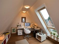 A modern roof space can be seen! A modern roof space can be seen! Attic Bedroom Designs, Attic Bedrooms, Attic Design, Loft Design, Attic Loft, Loft Room, Attic Office, Attic Renovation, Attic Remodel