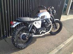Motoclothing Bobber Custom Culture e Cafe Racer: Custom italiano: Moto Guzzi V7 scrambler