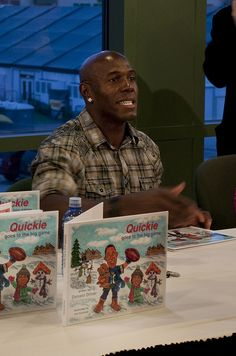 Donald Driver signing his kids book