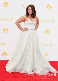 #plussizebrides #curvybrides Favorite Emmy Red Carpet Looks Perfect for a Plus Size Bride | Pretty Pear Bride | http://prettypearbride.com/favorite-emmy-red-carpet-looks-perfect-for-a-plus-size-bride/