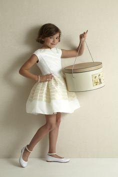 88115ef1c7f4e9 11 beste afbeeldingen van Communiekleding Meisjes - Dresses of girls ...