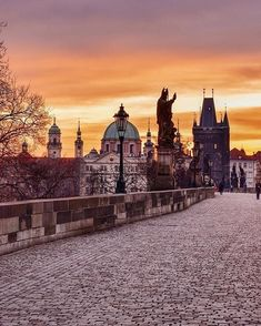& @vsiras present this amazing shot by @renataborka Check her beautiful gallery!  Location: Charles Bridge   Prague   Czech Republic  www.dailytraveller.gr  For your chance to be featured  Follow @the_daily_traveller  Tag #the_daily_traveller  Check my personal account @vsiras & my new account @bestgreekhotels to discover the Best Hotels & Villas around Greece!  Please visit my IG friends:  @travel_drops  @loves_greece_  @whatitalyis  @travelanddestinations…