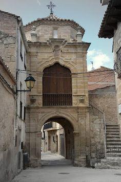 CRETAS (Teruel) portal y capilla de San Antonio