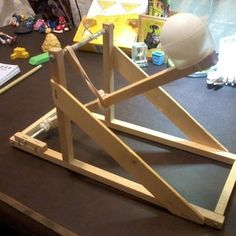 1000 images about catapult design on pinterest catapult popsicle sticks and pvc pipes for Catapult design plans for physics
