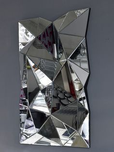 Pave Multi Facet 3d Mirror | Olafur Eliasson's Faceted Wall Installation Glows Inside An Opera ...