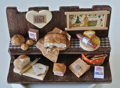 Composizione pane, pizza, salumi, formaggi in Miniatura - Scala 1:12 di Mazumaja su Etsy