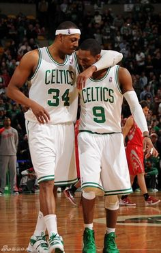 Paul Pierce and Rondo... tender moment