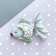 repost: FISH The post Repost Beverly Dietrich.repost: FISH appeared first on Schmuck ideen. Embroidery Hearts, Bead Embroidery Jewelry, Beaded Embroidery, Bead Embroidery Tutorial, Beaded Jewelry Designs, Bead Jewellery, Bead Crafts, Jewelry Crafts, Beaded Brooch