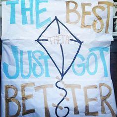 Kappa Alpha Theta Bid Day banner shoutout to SCU! Delta Phi Epsilon, Pi Beta Phi, Kappa Alpha Theta, Delta Zeta, Theta Crafts, Big Little Week, Bid Day Themes, Social Themes, Go Fly A Kite