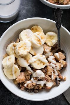 This easy Apple Cinnamon Paleo Hot Cereal is ready in just 10 minutes, free of a. This easy Apple Cinnamon Paleo Hot Cereal is ready in just 10 minutes, free Healthy Breakfast Menu, Whole 30 Breakfast, Banana Breakfast Recipes, Whole 30 Dessert, Breakfast Pancakes, Breakfast Cereal, Breakfast Bake, Healthy Breakfasts, Breakfast Bowls
