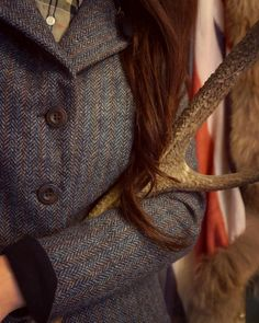 Timeless tweed 🕰🍂 Wishing you a wonderful day x I'm delighted as Brudge's 'cone of shame' has finally come off so I can get back to a bit of normality again 🙌🏼 which means proper walks, yay! Country Fashion, Country Outfits, Country Girls, Tweed Jacket, Barbour, Houndstooth, Herringbone, Walks, Equestrian