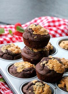 Sunne sjokolade-bananmuffins med peanøttsmør - LINDASTUHAUG Smoothie, Muffins, Recipies, Healthy Recipes, Cookies, Baking, Breakfast, Desserts, Food