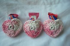 Crafty Expressions: Crochet Heart Pouches - free crochet pattern