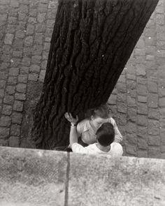 Izis Bidermanas   Bords de la seine, Paris, 1949