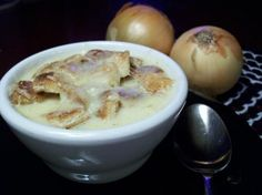 Make and share this Creamy Swiss Onion Soup recipe from Genius Kitchen. Onion Soup Recipes, Soup And Sandwich, Yummy Eats, Soups And Stews, Food And Drink, Cooking Recipes, Favorite Recipes