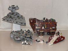 Mostly old sets. It's interesting to see how well they have updated the Millennium Falcon, Sandcrawler and Star Destroyer. Cool Lego, Cool Toys, Lego Boards, Star Wars Pictures, Lego Minecraft, Star Destroyer, Iconic Characters, Millennium Falcon, Star Wars Collection