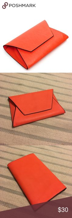 Zara Envelope Clutch Like new condition. Add a pop of color to your outfit with this beauty! Zara Bags Clutches & Wristlets