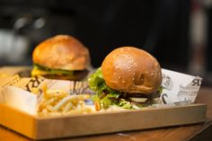 Recently ranked as being in the top 5 burger spots in Cape Town, how did Jerry's Burger Bar fare? Food Places, Places To Eat, Burger Bar, Burgers, Cape Town South Africa, Restaurant Recipes, Dining, Ethnic Recipes, Tattoos