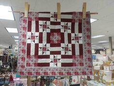 Create this special quilt for the college student in your life! All the fabric is cut and pattern ready for you to get started in these College Quilt Kits. Alabama Quilt, Quilt Kits, Roll Tide, Crimson Tide, Warehouse, Quilt Patterns, College, Quilts, Fabric