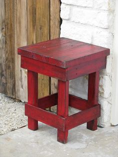 DIY Pallet Medium Red Side Table | Pallet Furniture DIY
