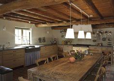 Nostalgische keuken met extra rustiek verouderde eiken fronten